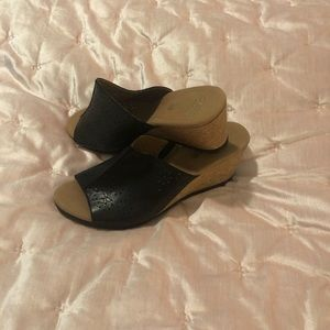 Beautiful Clarks Black Wedge Heels Size 10